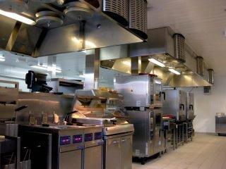 Вытяжной кухонный зонт: как правильно установить