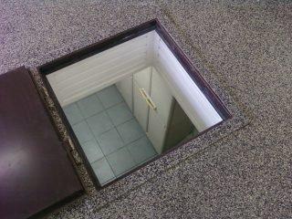 Как сделать вытяжку в погребе гаража