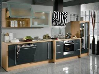 Особенности кухонной вытяжки с воздуховодом