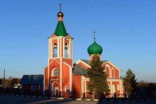 Кирпичная церковь