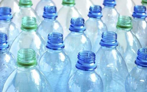 Пластиковые бутылки для продух